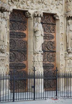 Un portail de Notre-Dame