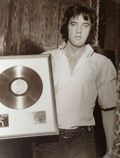 """Elvis received award for LP """"As Recorded in Madison Square Gardens"""" 1972"""