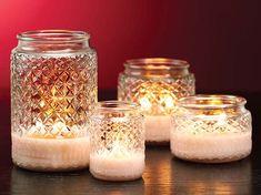 déco en bougies parfumées vanille dans anciens pots