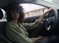 Imaan Hammam à Los Angeles http://www.vogue.fr/mode/mannequins/diaporama/la-semaine-des-tops-sur-instagram-avril-2016/30833#imaan-hammam-a-los-angeles