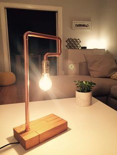 Industrial chic DIY copper pipe table lamp Home decor Copper Lamps, Copper Lighting, Copper Table, Industrial Lighting, Pendant Lighting, Lampe Tube, Retro Table Lamps, Diy Table Lamps, Pipe Table