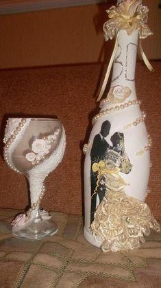 Работа на тему «Свадебный декупаж»: Свадебное шампанское http://dcpg.ru/blogs/5716/ Click on photo to see more! Нажмите на фото чтобы увидеть больше! decoupage art craft handmade home decor DIY do it yourself love
