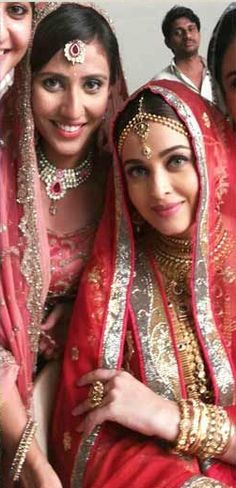 Aishwarya Rai Bachchan on the sets of Kalyan Jewellers Ad Shoot | PINKVILLA