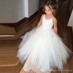 2017 New Lovely White Flower Girl Dresses Puffy Tulle First Communion Dress For Girls Spaghetti For Wedding Party Wear