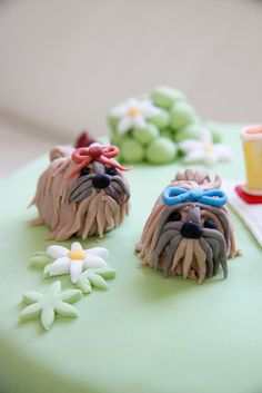 Shih Tzu Dogs close up Shih Tzu Puppy, Shih Tzus, Yorkie, Bake A Boo, 31st Birthday, Birthday Cakes, Food Carving, Dog Cakes, Fondant Figures