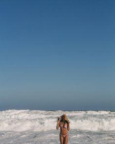 "Praia Mole • LAIZ ALIONÇO (@laizfotografia) no Instagram: ""Lou linda ✨👙☀️🌊 #oiverão #summer #floripa #praiamole"""