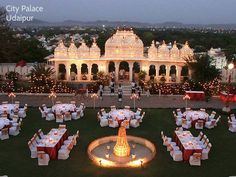 If you want to feel like the king of the world on your D day, plan your wedding in the land of #Rajasthan which offers grand palaces to simply take your breath way by its sheer charm and beauty. #shloka #destinationweddings