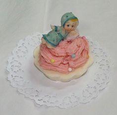 Un bonito y tierno recuerdo de su Bautizo!! un delicado cupcake!!