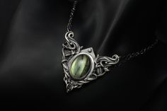 Hidden Love - Fine Silver / Labradorite