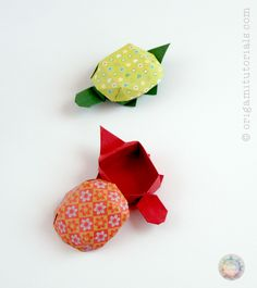 Introduction to the unique Japanese model - Origami Tortoise Box - a two piece box design by Yoshihisa Kimora. Read my tips to folding this beautiful model. Origami Mouse, Origami Star Box, Origami Ball, Origami Paper, Origami Turtle, Origami Fish, Origami Tortoise, Origami Tutorial, Origami Instructions