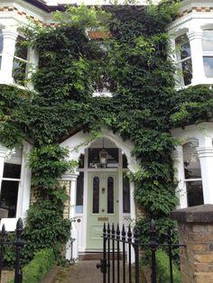 A beautiful Victorian front door in South London Victorian Front Doors, Victorian Homes, Beautiful Buildings, Beautiful Homes, Beautiful London, London House, Victorian Architecture, House Front, My New Room