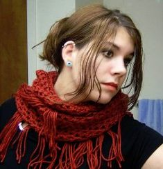 This is a fabulous free #crochet pattern that can be warn as a #scarf or a shawl. Double crochet is used and the fringe is optional.