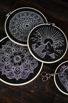Most up-to-date Totally Free Embroidery Patches pattern Concepts Black and White – Sticken, Sticken, Sticken und wie ihr eure Motive einfach übertragt – Der Sc Embroidery Transfers, Hand Embroidery Stitches, Modern Embroidery, Embroidery Patches, Silk Ribbon Embroidery, Hand Embroidery Designs, Embroidery Techniques, Embroidery Thread, Cross Stitch Embroidery