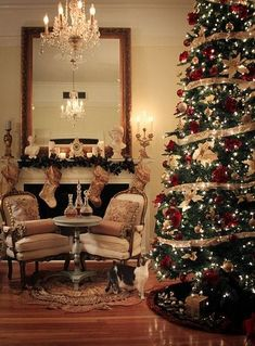 Here are the Traditional Christmas Tree Decor Ideas. This article about Traditional Christmas Tree Decor Ideas was posted under the … Red And Gold Christmas Tree, Classy Christmas, Beautiful Christmas Trees, Noel Christmas, All Things Christmas, Christmas Crafts, Classic Christmas Decorations, Minimal Christmas, Christmas Print
