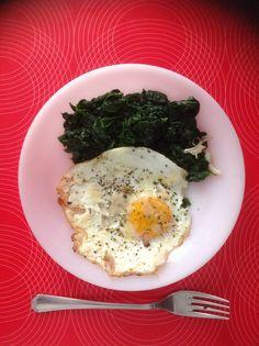 Uovo e spinaci