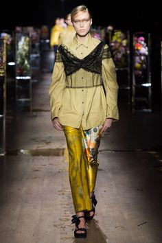 Dries Van Noten Spring/Summer 2017 Ready-To-Wear Collection