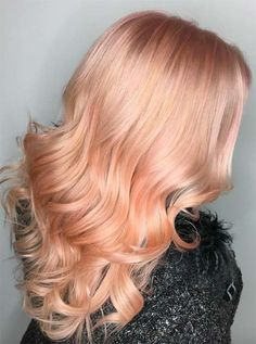 50 Glamorous Peach Hair Color Ideas in Peach hair color hair, don't care! You are about to jump into the hair color deep-end with these 50 glamorous peach hair color ideas in If you. Peach Hair Colors, Hot Hair Colors, Hair Colour, Weave Hairstyles, Pretty Hairstyles, Color Del Pelo, Natural Hair Styles, Short Hair Styles, Pretty Hair Color