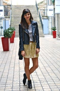 gold skirt.  bons baisers d'ailleurs Sparkly Skirt, Gold Skirt, Night Outfits, Girl Outfits, Fashion Outfits, Womens Fashion, What I Wore, What To Wear, Girl Clothing