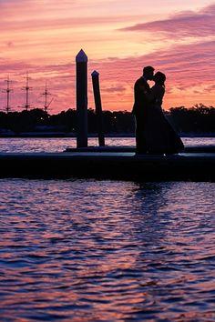indian-wedding-outdoor-sunset-portrait-water #indianwedding