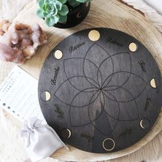 This beautiful wooden moonphase grid is made from thick poplar wood and stained in a dark oak colour. Gold effect has been put onto the moons on the grid to represent the sparkle and golden light of the moon! The grid has been designed to help you harness the power of the lunar phases and use them to set your intentio Crystal Altar, Crystal Grid, Healing Stones, Crystal Healing, Pendulum Board, Displaying Crystals, Crystal Shelves, Lunar Phase, Tarot Major Arcana