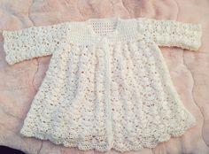 無料編み図で作ったベビードレス(3号かぎ針・サイズ80〜90)