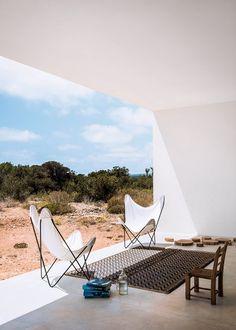 pinned by barefootstyling.com Une maison en pleine nature sur l'île de Formentera - Marie Claire Maison
