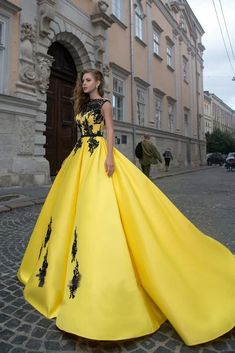 A-line Bateau Yellow Lace Appliques Ball Gown Prom Dresses Quinceanera Formal Dress This dress can be made with custom sizes and color. So cheap and so charming. Unique Prom Dresses, Prom Dresses For Sale, Beautiful Prom Dresses, Custom Dresses, Formal Dresses, Royal Ball Gowns, Ball Gowns Prom, Designer Prom Dresses, Yellow Lace
