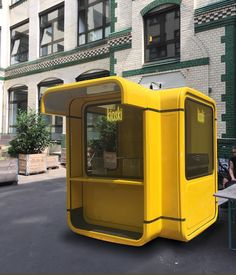 Street furniture kiosk with imagination for various businesses: Flowers, Newspapers, Food, Souvenirs, Ice cream or other utilities abound in the kiosk. Kiosk Design, Cafe Design, Booth Design, Store Design, Display Design, Design Design, Design Ideas, Food Stall Design, Mobile Kiosk