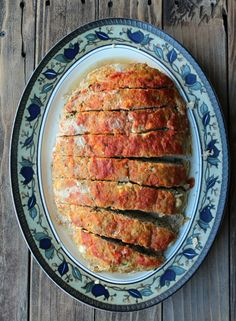 Turkey Meatloaf with Zucchini and Feta - Organize Yourself Skinny Turkey Meatloaf, Turkey Burgers, Zucchini Meatloaf, Zucchini Bread, Smoking Cooking, Cooking Recipes, Healthy Recipes, Savoury Recipes, Skinny Recipes