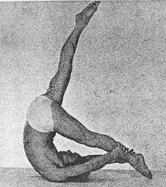 Joseph Pilates doing Control Balance