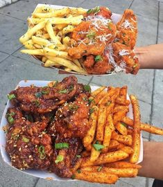 I'm hungry now😋😋😋 Food To Go, I Love Food, Food And Drink, Night Food, Food Goals, Aesthetic Food, Food Cravings, Soul Food, Food Dishes