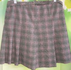 19.76$  Watch here - http://vidhq.justgood.pw/vig/item.php?t=do9d54n26631 - IZOD XFG Womens 4 Athletic Golf Tennis Gray Pink Pleated Plaid Skort Skirt EUC 19.76$