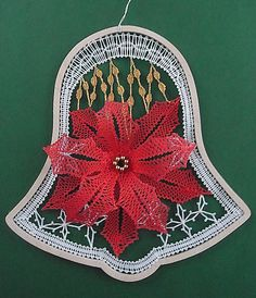 Spitzenklöppeln Giusi Di Fede Types Of Lace, Bobbin Lace Patterns, Lacemaking, Lace Heart, Lace Jewelry, Crochet Lace, Lace Detail, Diy And Crafts, Butterfly
