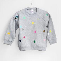 Sweatshirt mit Dreiecken // grey triangle sweater via DaWanda.com