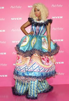 Lady Gaga and Nicki Minaj are well known for their craziness when it comes to fashion. Nicki Minaj Outfits, Nicki Minaj Barbie, Nicki Manaj, Crazy Dresses, Funny Dresses, Crazy Outfits, Funny Baby Images, Funny Pictures For Kids, Divas