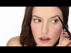 My Eyebrow Philosophy & Routine. http://www.lisaeldridge.com/video/13333/my-brow-routine/ #makeup #beauty #brows #lisaeldridge