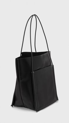 Building Block Pocket Tote in Black | The Dreslyn