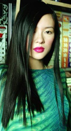 Zhang Ziyi THE Big collection of photos of beautiful girls on the beach, in the car, in the countryside. Look more. Beautiful Asian Women, Beautiful People, Zhang Ziyi, Chinese Actress, Famous Women, Celebs, Celebrities, Look Fashion, Asian Woman