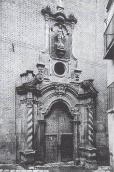 Fachada del antiguo colegio La Enseñanza de la calle La Palma, destruido en la guerra civil, actualmente es la puerta de la Iglesia San Pedro.