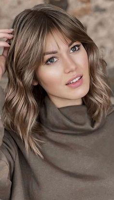 Cute Haircuts and Hairstyles with Bangs : Subtle Metallic with bangs Bangs With Medium Hair, Medium Hair Cuts, Short Hair Cuts, Short Hair Styles, Haircut Medium, Shoulder Length Hair With Bangs, Fringe With Long Hair, Medium Hair Styles With Layers, Shoulder Length Hair Cuts With Bangs