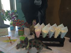 Dinosaur party table