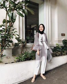 Hijab Casual, Hijab Outfit, Hijab Dress Party, Ootd Hijab, Hijab Mode Inspiration, Moslem Fashion, Hijab Trends, Hijab Fashionista, Pakistani Bridal Wear