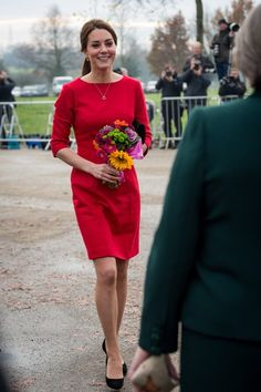 Kate Middleton, Duchess of Cambridge, visits Norfolk. Nov 2014 Katherine Hooker dress with Jimmy Choo heels Duchess Kate, Duke And Duchess, Duchess Of Cambridge, Princess Katherine, Princess Charlotte, Princess Diana, Kate Middleton Photos, Kate Middleton Style, Pippa Middleton