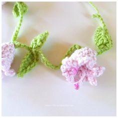 Crochet Decoration, Drops Design, Crochet Flowers, Kids And Parenting, Elsa, Diy And Crafts, Knit Crochet, Crochet Necklace, Shabby Chic