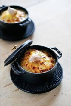 Potato and leek Gratin - Gratin van aardappelen en prei - Ambiance - Steven Bes Dutch Recipes, Cooking Recipes, Cocotte Recipe, Ate Too Much, Vegetable Side Dishes, Food To Make, Foodies, Good Food, Food And Drink