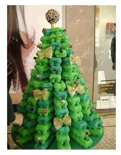 Recyclable christmas tree diy