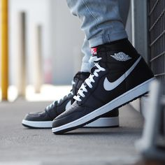 "Air Jordan 1 Retro High ""Yin Yang Pack"" (Black)"