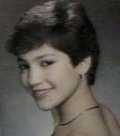 Jennifer Aniston High School Yearbook Old Picture Of Famous - 20 funny celebrity yearbook photos