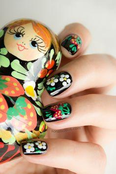 Matryoshka inspired Russian nails. Click for manicure details. #nailart #cute #nails
