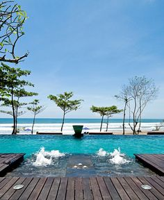 The always-buzzing infinity pool of Anantara Villas Seminyak, Bali
